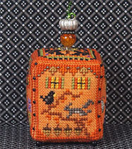 Witchy Pumpkin Cottage 4